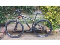 Giant Advanced XTC 29er 2 Mountain bike. 2015 model hardly ridden and in excellent condition.