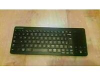 SAMSUMG Smart Wireless Keyboard VG-KBD1000 GOOD CONDITION AND FULLY WO