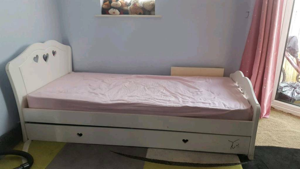 Single Bed very good condition