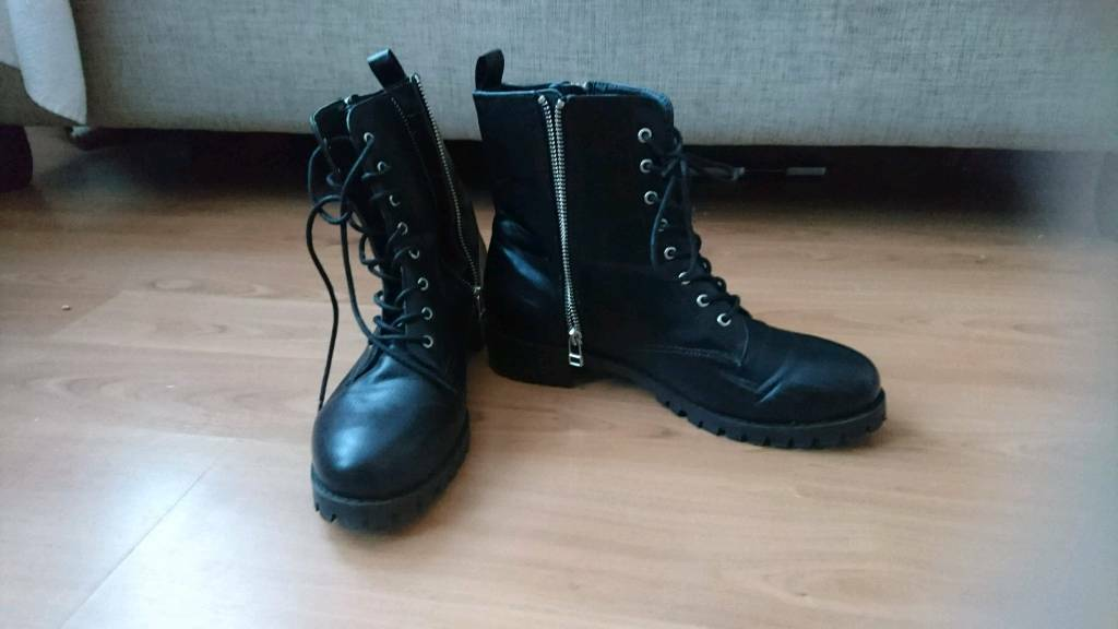 H&M womens boots size 39in Dalkeith, MidlothianGumtree - H&M womens boots size 39 Good condition from smoke and pet free home