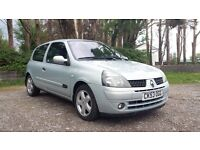 2003 RENAULT CLIO DYNAMIQUE 1.4 PETROL MANUAL SILVER - LONG MOT & 1 FORMER KEEPER £795