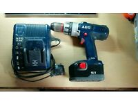 AEG Cordless drill + charger + 1x battery (battery dead)
