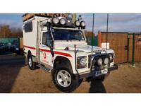 LAND ROVER DEFENDER 2.5 110 HARD-TOP TD5 1d 120 BHP (white) 2001