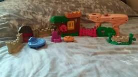 Fisher price little people robin hood / medival castle accessory set