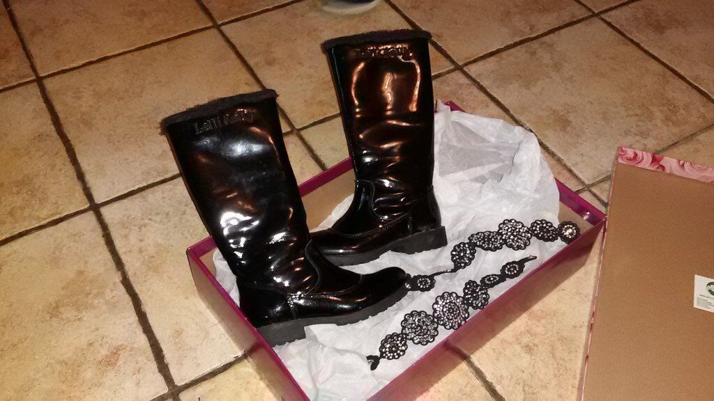 Lelli Kelly black patent fur lined boots size 11 never worn