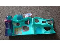 Littlest Pet Shop Teal Green Hotel House Day Care Beach Play Set Elevator