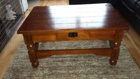 Living Room Table - Excellent condition