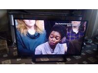"PANASONIC VIERA 32"" LED TV SMART/WIFI/FREEVIEW HD/100HZ/MEDIA PLAYER/SLIM DESIGN/ AS NEW NO OFFERS"