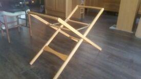 Folding crib stand