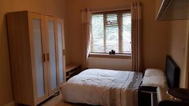 Studio / Double Room Self Contained with own Entrance -En-suite, Kitchenette. All Bills Incl.