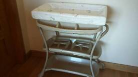 Mamas and papas changing station table