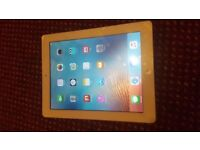 APPLE IPAD 3 WITH SIM CARD, WHITE AND MINT AND 16GB