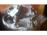 men mbt sandal bran new with tag size 8.5