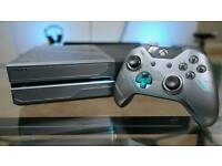 Halo edition Xbox one with games + Logitech g920