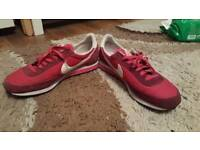 Nike shoes in good condition. Size 7