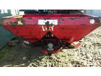 Lely 700 kg sower
