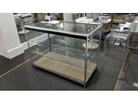 120cm x 90cm x 60cm Glass Cabinet with Sliding doors and light