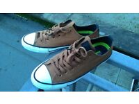 BROWN CONVERSE size 8UK
