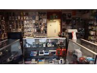 FANTASTIC OPPORTUNITY RUNNING MOBILE & COMPUTER SHOP WITH ALL STOCK ON IDEAL LOCATION FOR SALE