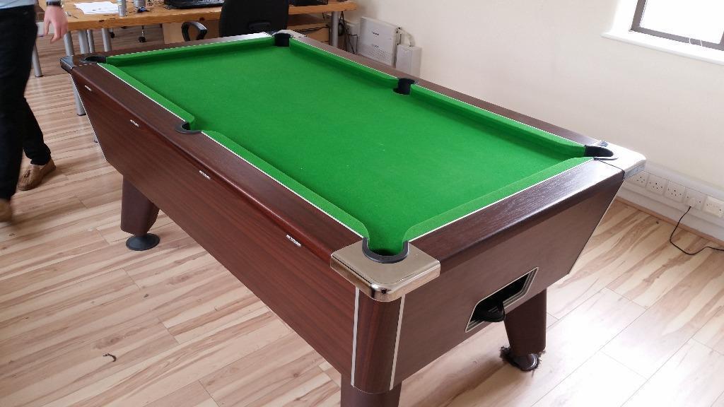 Pub Standard Pool Table