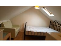 A DOUBLE BED ROOM AVAILABLE IN A SHARED HOUSE