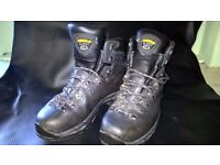 Asolo hiking boots mens size 10s