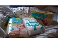 Size 1 pampers nappies 173