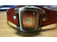 Diesel retro designer watch in red great condition leather strap working perfectly new battery rare