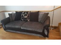 4 seater and 2 seater snuggle chair with blueooth speakers £600 ono