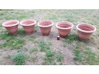 Large garden plant pots x5 - plastic