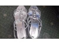 Shoe Tailor - Strappy silver sandals size 7