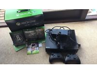 XBOX ONE, 2 controllers, 4 games ( 3 hard, one downloaded)