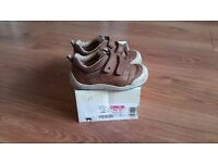 Start rite, brown leather shoes. Size 5.5, width G