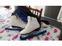 Ice skates size 3, with bag and blade protectors