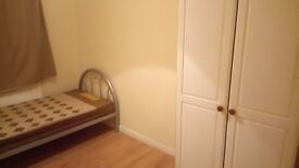 Single room to let in Beeston