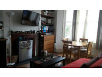 Private Landlord. Lovely 1 bedroom flat. £320pw (Negotiable). No agents please