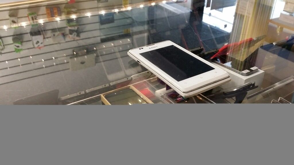 RECEIPT INCLUDED = Great condition Sony Xperia M4 Aqua WHITE on Vodafone