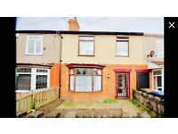 4 x large double bed rooms in fully furnished house to let. Ideal for groups