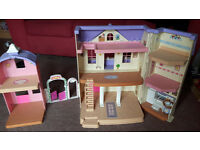 dolls house in good condition