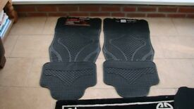 CAR MATS NEW TWO FRONT TWO REAR BRAND NEW