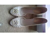 Brand new bridal ehoes size 6