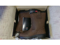 Dickies Nevada Rigger waterproof safety boots .size 10 BNIB.