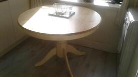 Dining table round pine