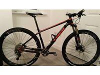 Trek Superfly 9.8 SL Hard Tail Mountain Bike, 17.5 inch (medium)