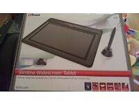 Slimline widescreen graphics tablet
