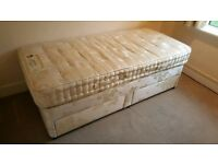 good condition single divan bed with storage + mattress. 20£.