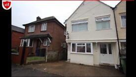 2 BED FLAT ROBERTS RD WITH/without parking