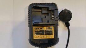 NO OFFERS!!! DeWALT DCB105 10.8v, 14.4v, 18v, 20vmax, RAPID charger-----BRAND NEW----£24.99 ,makita