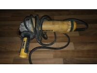 Dewalt grinder 110v Dwe4206 full working order! Just plug been damaged! Can deliver or post!