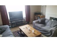 Double bedroom in friendly Victoria Park Houseshare